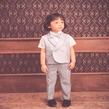 Jeongwon CHOI on April 21 2020 1 person standing child and indoor