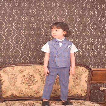 Jeongwon CHOI on April 22 2020 1 person sitting child and indoor