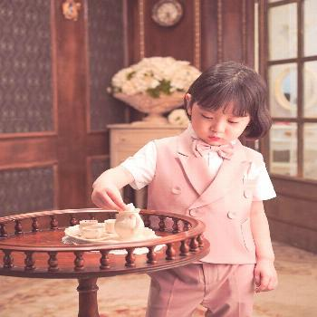 Jeongwon CHOI on April 22 2020 1 person sitting child table and i